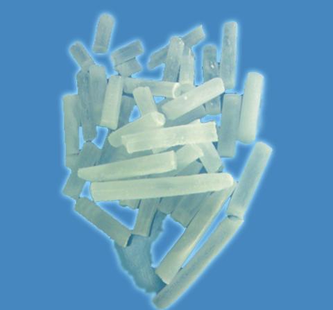 Được dùng cho máy bắn đá khô để làm sạch trong công nghiệp. Phương pháp làm sạch các bề mặt, chi tiết máy móc, thiết bị công nghiệp bằng máy bắn đá khô là một phương pháp làm sạch tiên tiến hiện nay. Với nhiều ưu điểm vượt trội và hiệu quả làm sạch rất cao